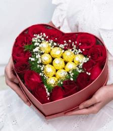กล่องดอกไม้วาเลนไทน์ทรงหัวใจ