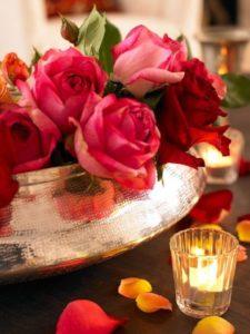 ดอกกุหลาบใต้แสงเทียน